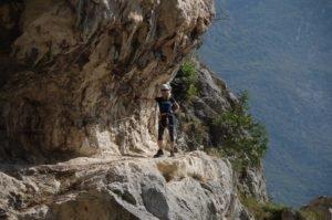 Obóz wspinaczkowy i Via ferrata Sentiero dei Contrabbandieri, lonża