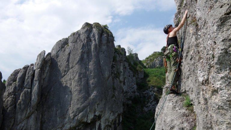 Nauka wspinaczki na kursie skałkowym